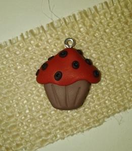 cupcake pendant