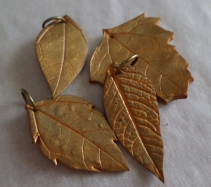 polymer leaves gold