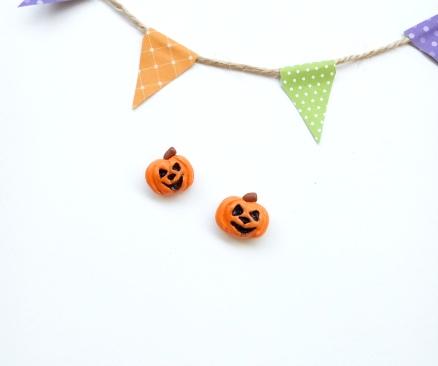 evil pumpkin studs 1