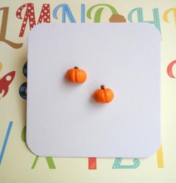 pumpkin studs 4